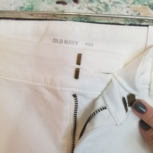 Old Navy Pants - NEW pixie ankle length white capri pixie spring